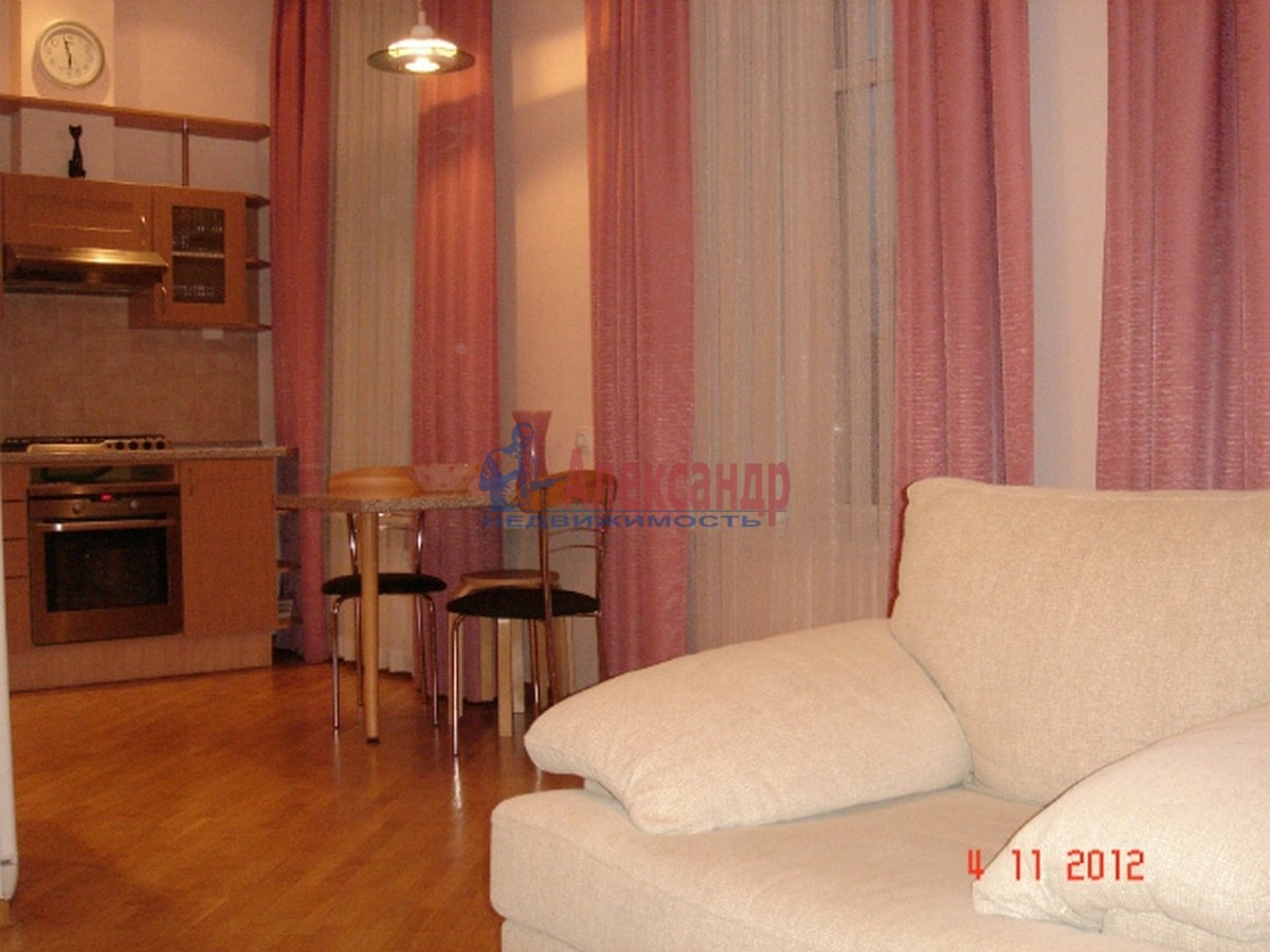 3-комнатная квартира (102м2) в аренду по адресу Невский пр., 162— фото 1 из 10