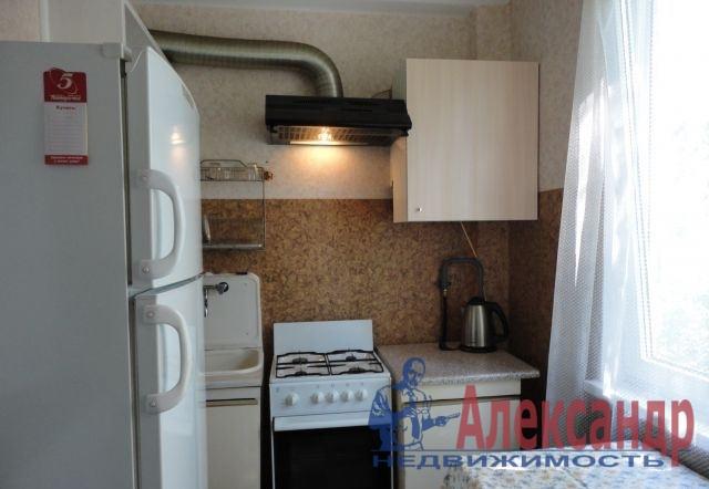 1-комнатная квартира (31м2) в аренду по адресу Дальневосточный пр., 80— фото 3 из 4