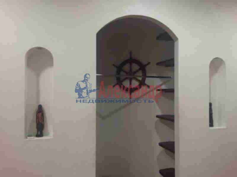 2-комнатная квартира (90м2) в аренду по адресу Петровский пр., 14— фото 9 из 11