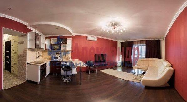 2-комнатная квартира (70м2) в аренду по адресу Большевиков пр., 7— фото 2 из 10