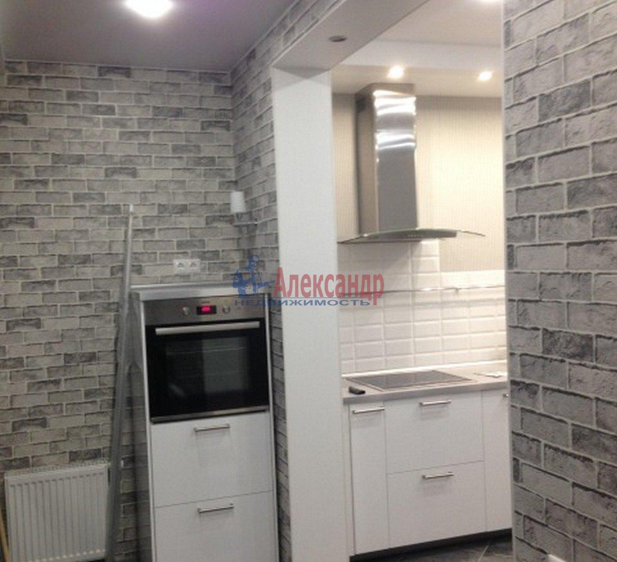 1-комнатная квартира (40м2) в аренду по адресу Адмирала Коновалова ул., 2— фото 5 из 9
