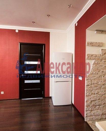 2-комнатная квартира (70м2) в аренду по адресу Большевиков пр., 7— фото 9 из 10