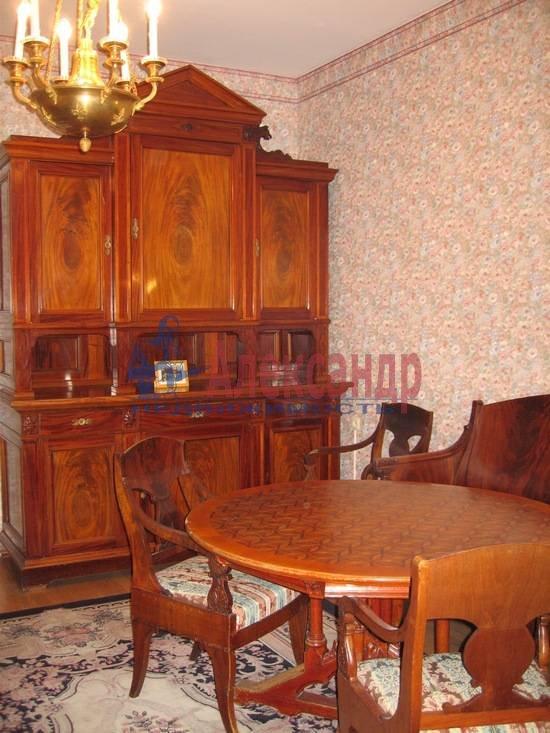 2-комнатная квартира (68м2) в аренду по адресу Пестеля ул., 13— фото 4 из 6