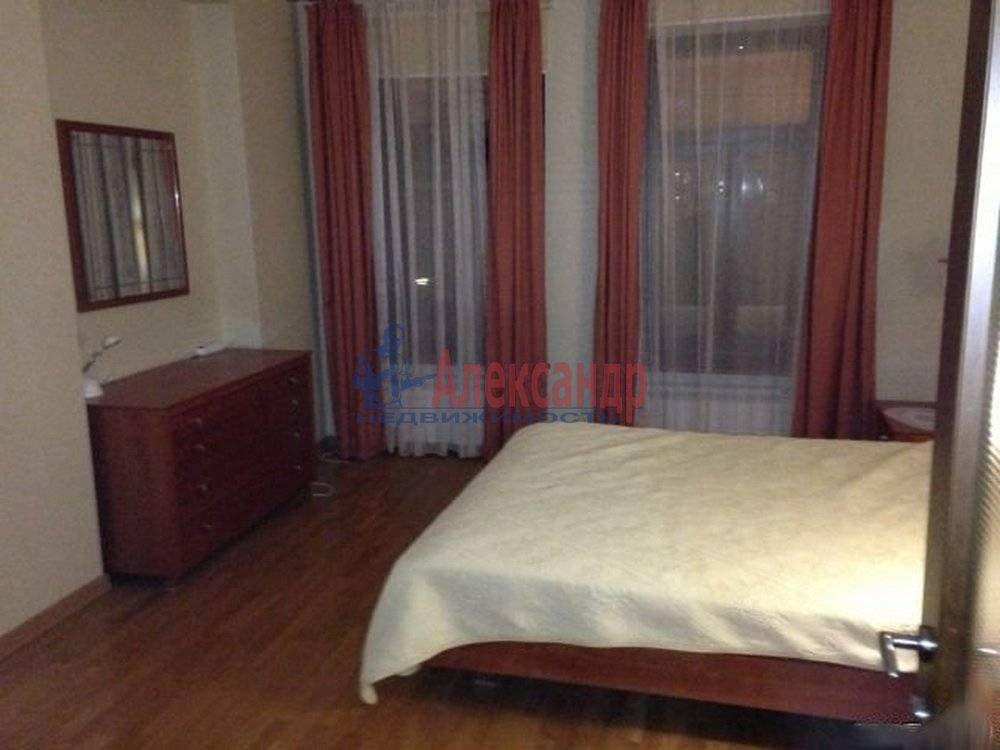 3-комнатная квартира (125м2) в аренду по адресу Радищева ул., 17— фото 3 из 9