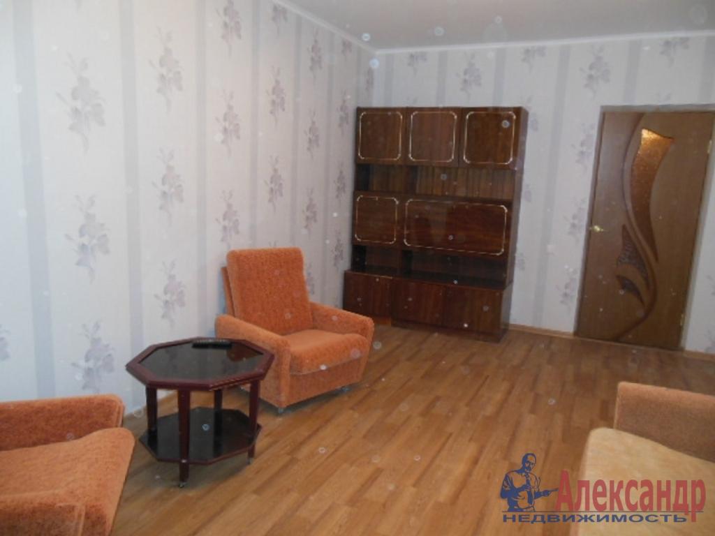 3-комнатная квартира (75м2) в аренду по адресу Кораблестроителей ул., 37— фото 2 из 7