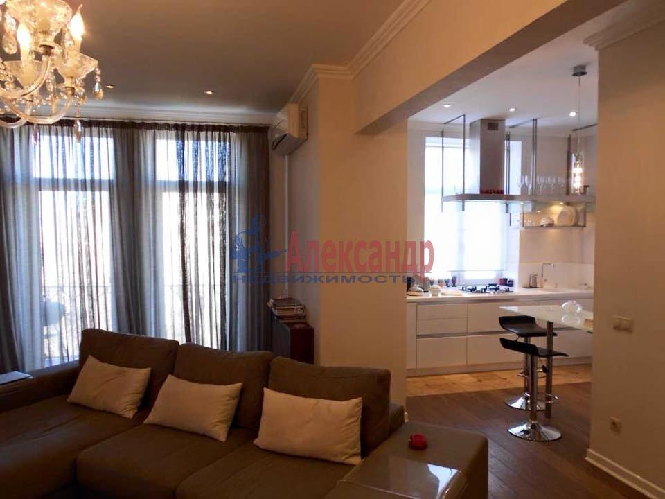 2-комнатная квартира (65м2) в аренду по адресу Морская наб., 17— фото 1 из 4