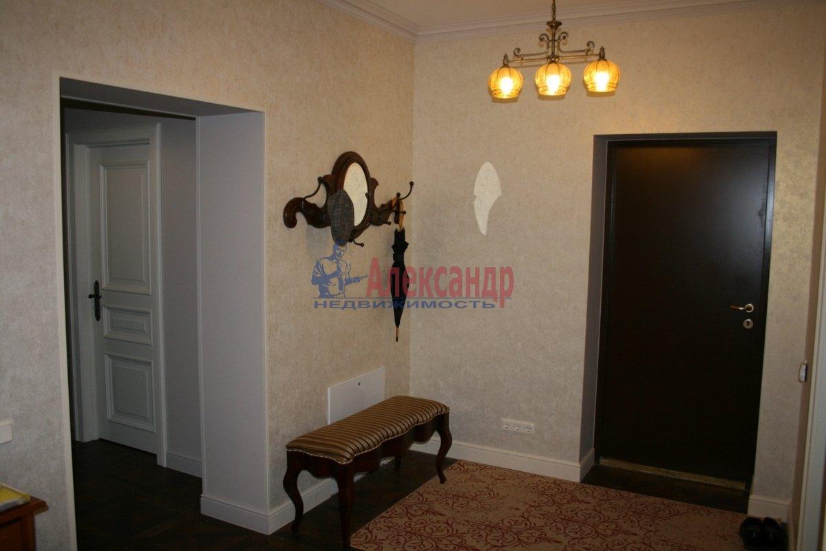 3-комнатная квартира (130м2) в аренду по адресу Солнечное пос., Нагорная ул., 2— фото 4 из 12