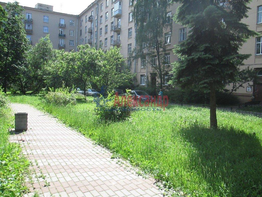 2-комнатная квартира (55м2) в аренду по адресу Ленсовета ул., 20— фото 1 из 5