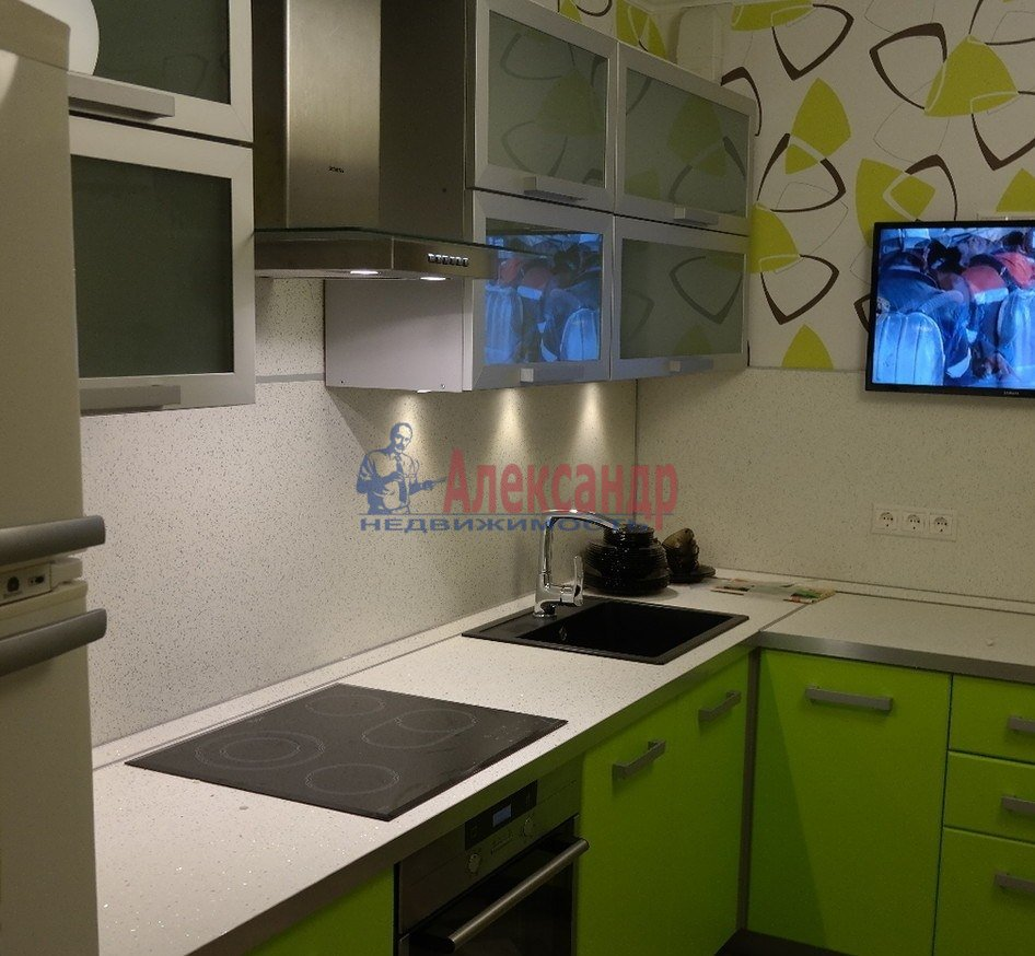 1-комнатная квартира (43м2) в аренду по адресу Юрия Гагарина просп., 14— фото 1 из 10