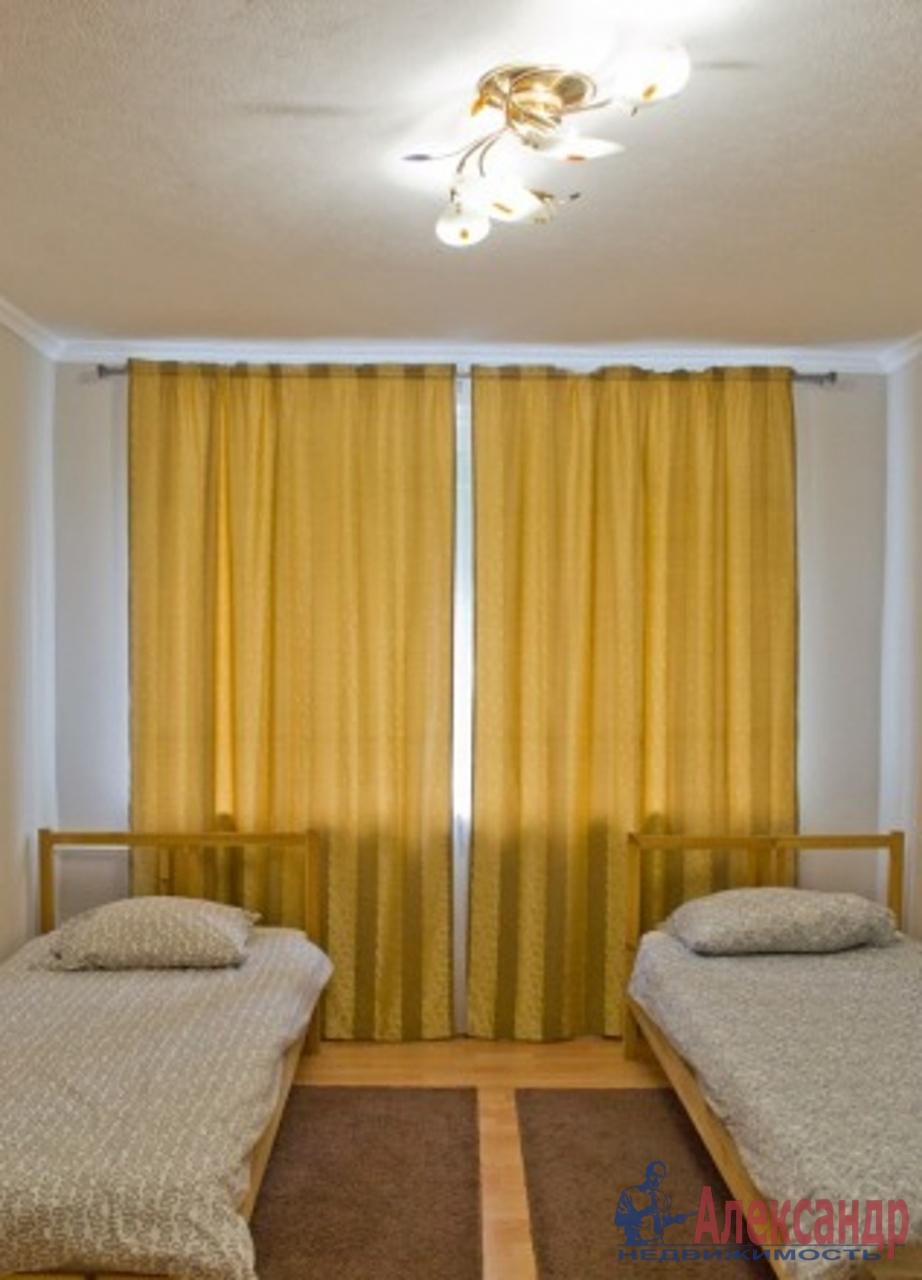 3-комнатная квартира (91м2) в аренду по адресу Кудрово дер., Немецкая ул., 3— фото 2 из 4