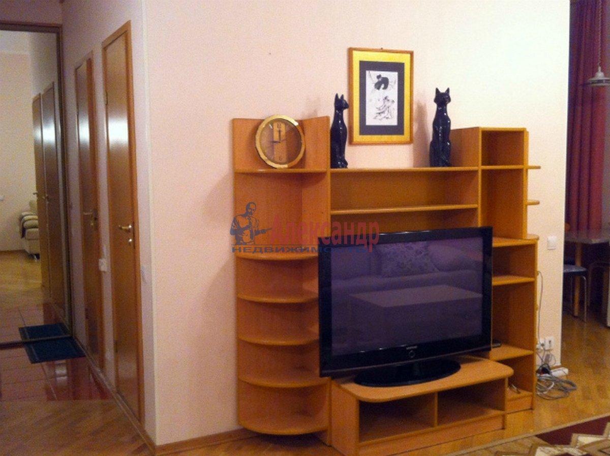 3-комнатная квартира (102м2) в аренду по адресу Невский пр., 162— фото 7 из 10
