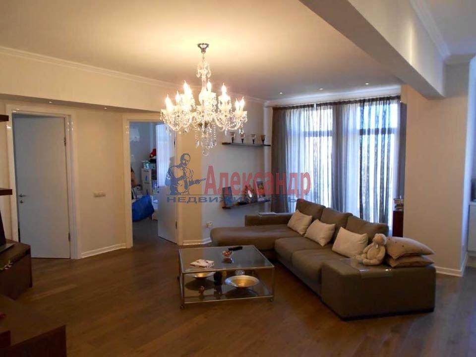 2-комнатная квартира (65м2) в аренду по адресу Морская наб., 17— фото 2 из 4