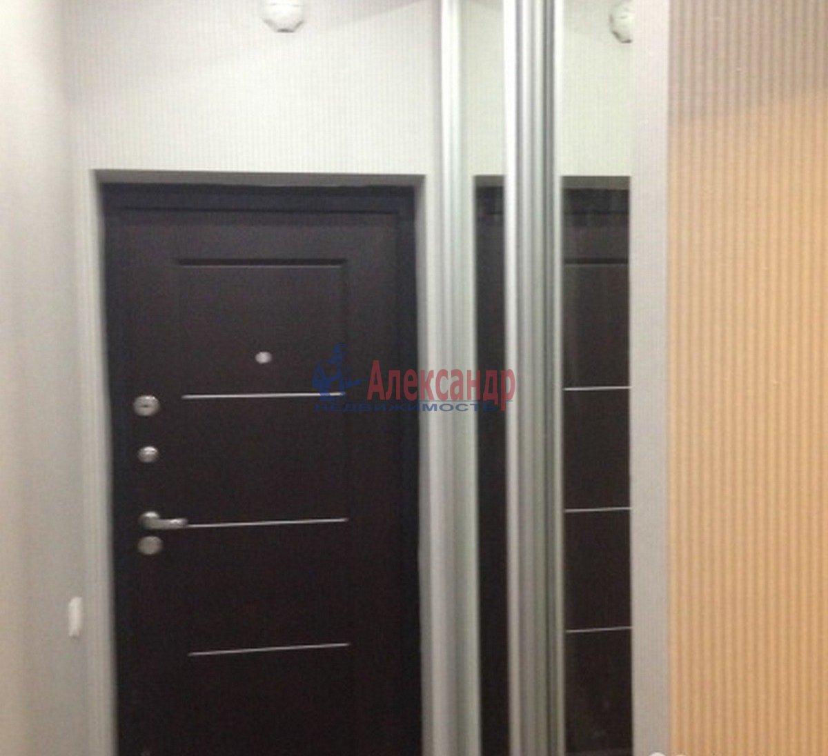 1-комнатная квартира (40м2) в аренду по адресу Адмирала Коновалова ул., 2— фото 7 из 9
