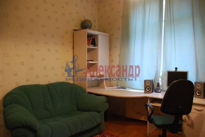 3-комнатная квартира (86м2) в аренду по адресу Суворовский пр., 56— фото 3 из 7