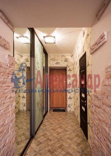 2-комнатная квартира (70м2) в аренду по адресу Большевиков пр., 7— фото 10 из 10