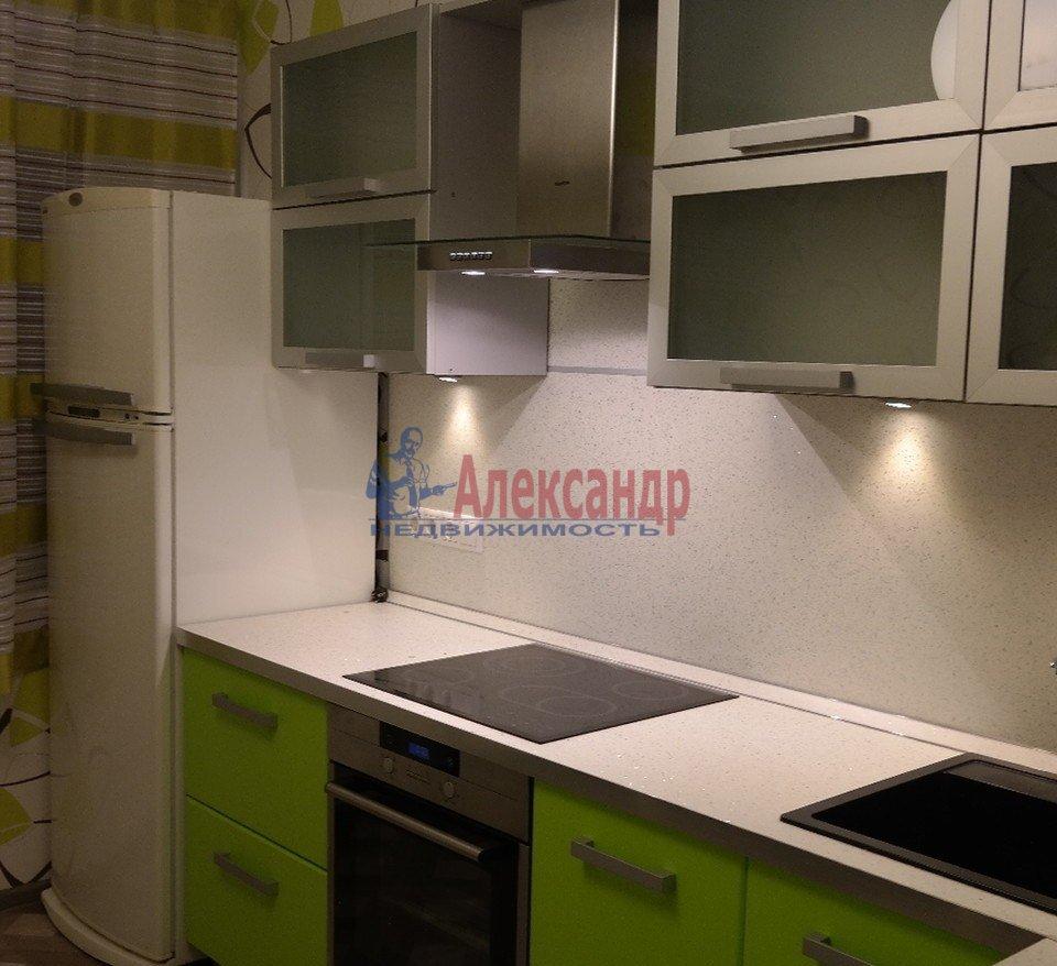 1-комнатная квартира (43м2) в аренду по адресу Юрия Гагарина просп., 14— фото 2 из 10