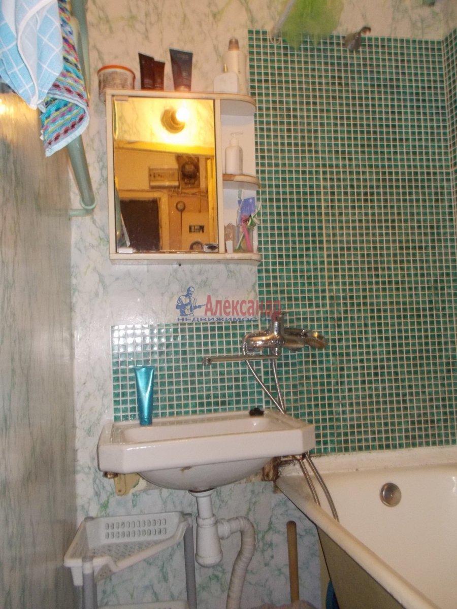 Комната в 3-комнатной квартире (53м2) в аренду по адресу Черкасова ул.— фото 3 из 4