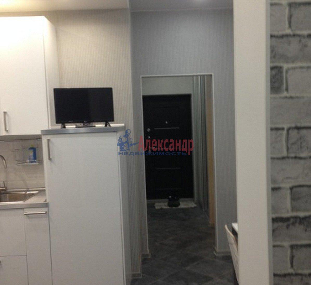 1-комнатная квартира (40м2) в аренду по адресу Адмирала Коновалова ул., 2— фото 8 из 9