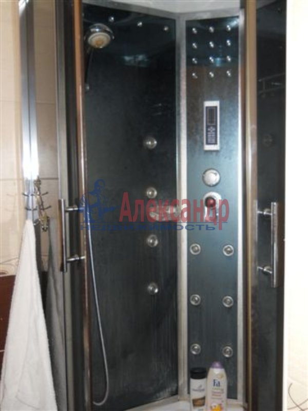 1-комнатная квартира (31м2) в аренду по адресу Белы Куна ул., 4— фото 1 из 4