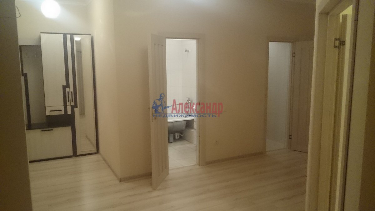 Комната в 3-комнатной квартире (96м2) в аренду по адресу Наличная ул., 36— фото 8 из 8