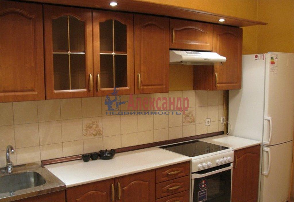 1-комнатная квартира (53м2) в аренду по адресу Белградская ул., 26— фото 2 из 3