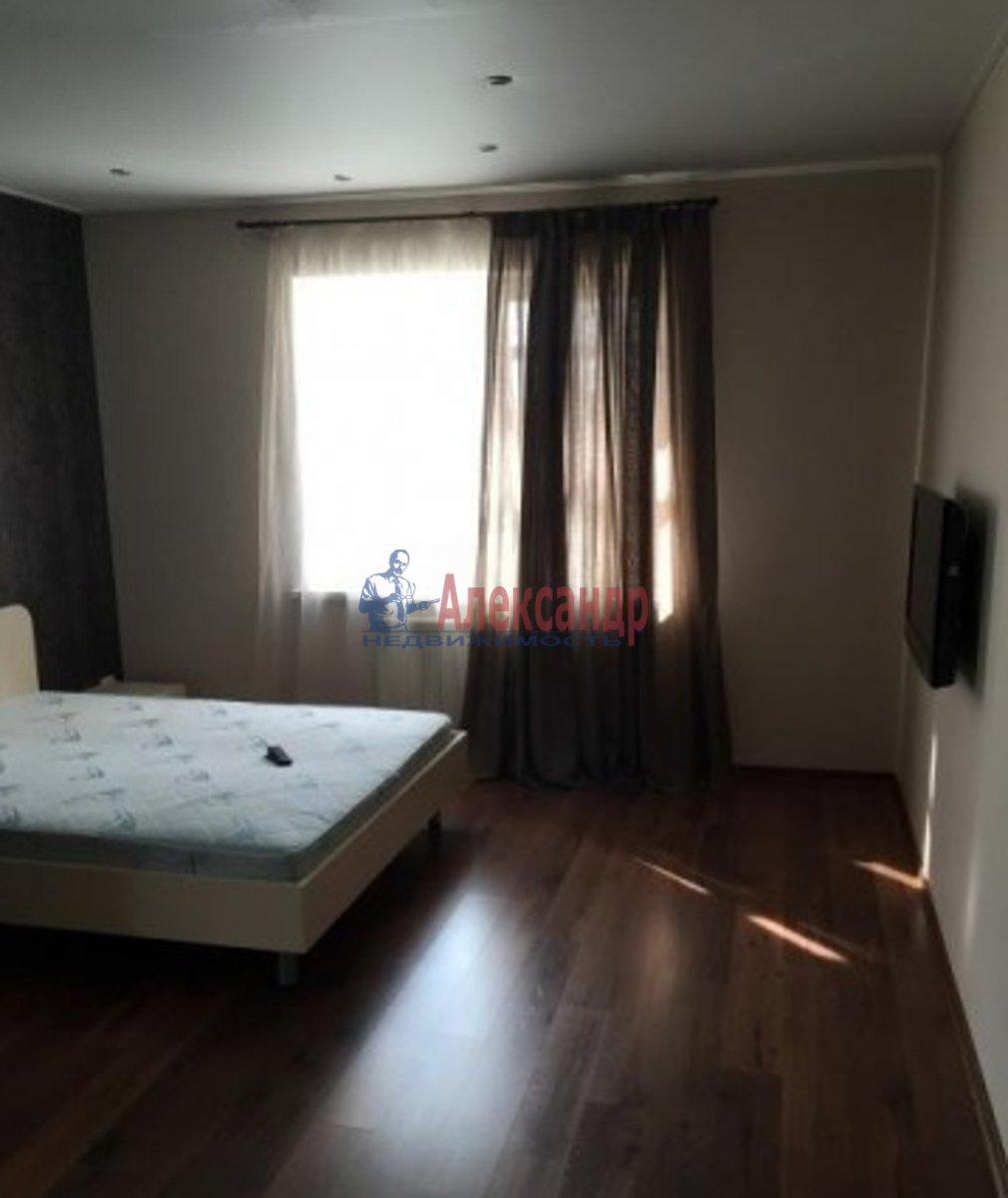 2-комнатная квартира (65м2) в аренду по адресу Просвещения пр., 99— фото 2 из 3