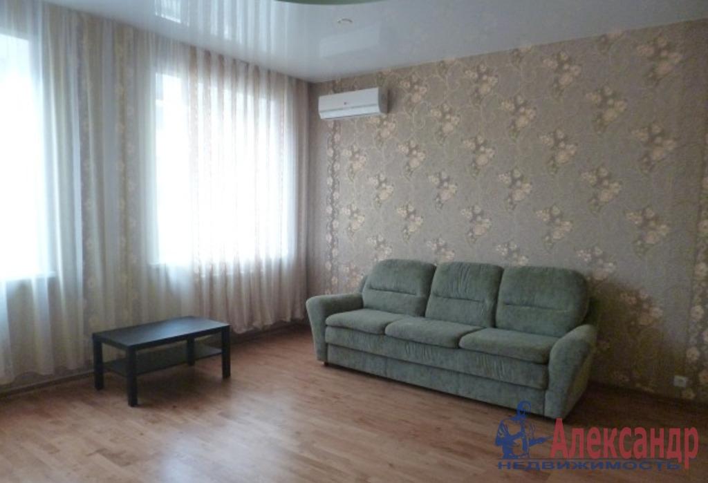2-комнатная квартира (72м2) в аренду по адресу Просвещения просп., 53— фото 2 из 4