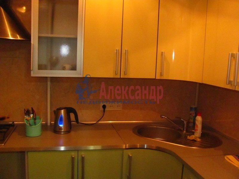 1-комнатная квартира (32м2) в аренду по адресу Учительская ул., 12— фото 2 из 3