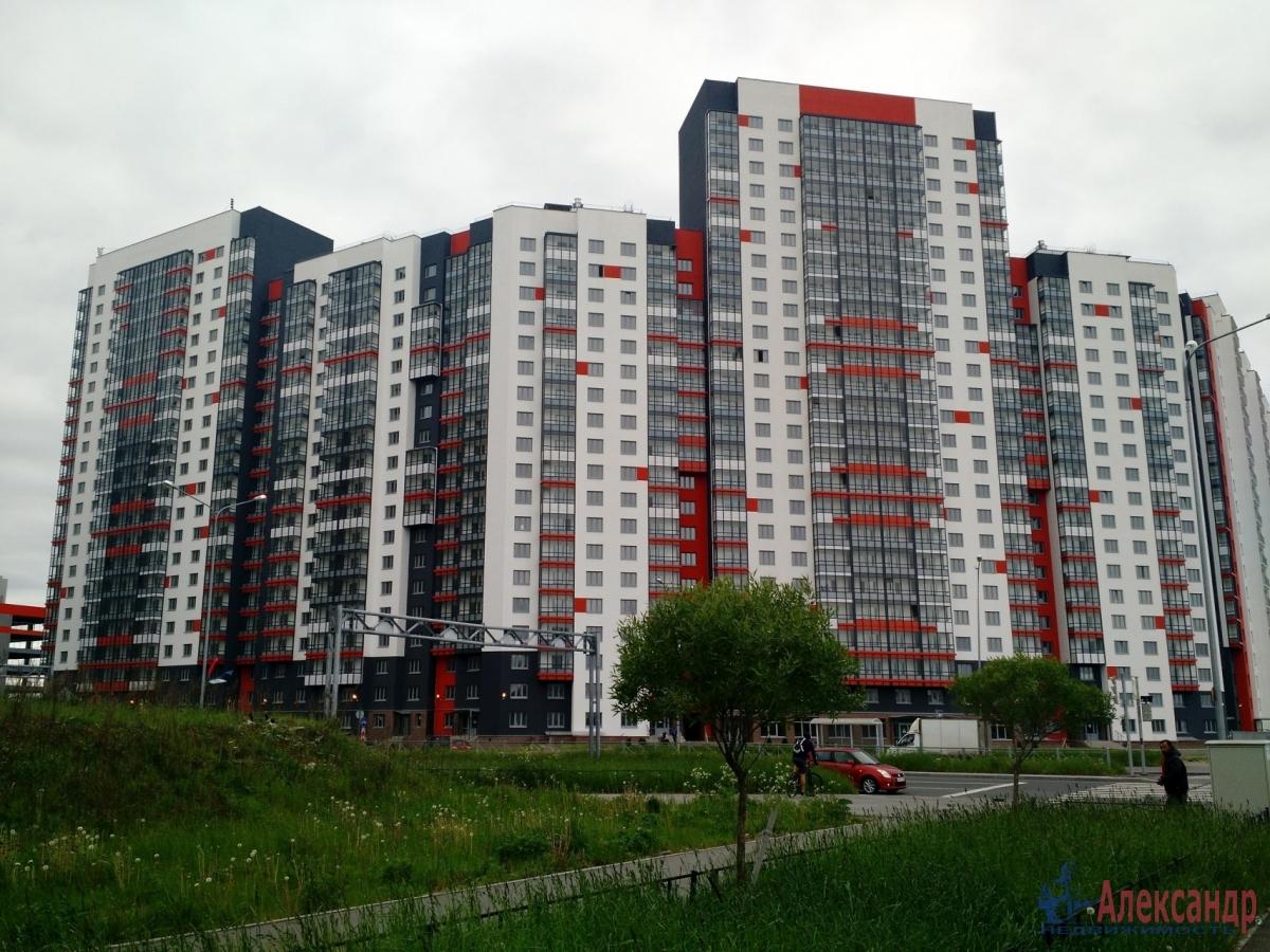 1-комнатная квартира (36м2) в аренду по адресу Маршала Казакова ул., 78— фото 1 из 8