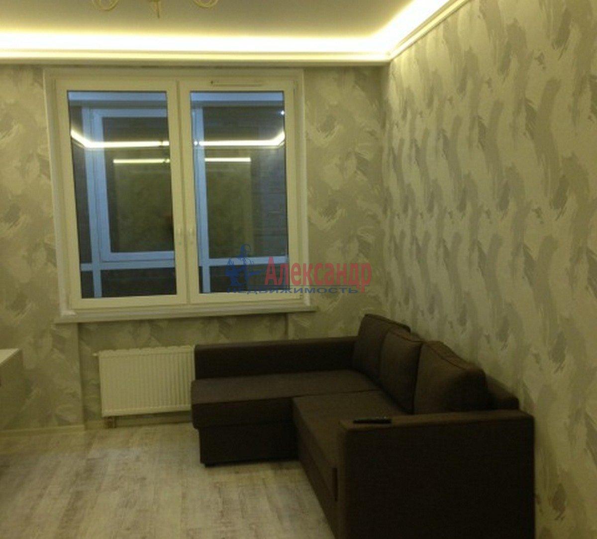 1-комнатная квартира (40м2) в аренду по адресу Адмирала Коновалова ул., 2— фото 1 из 9