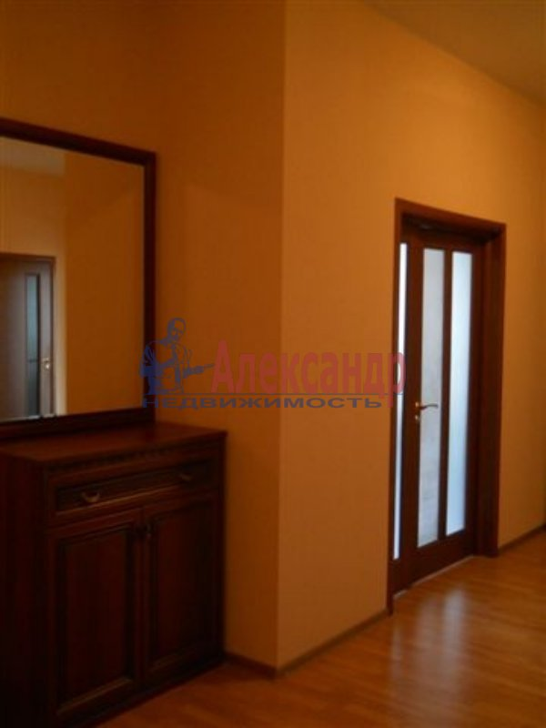 1-комнатная квартира (31м2) в аренду по адресу Белы Куна ул., 4— фото 3 из 4