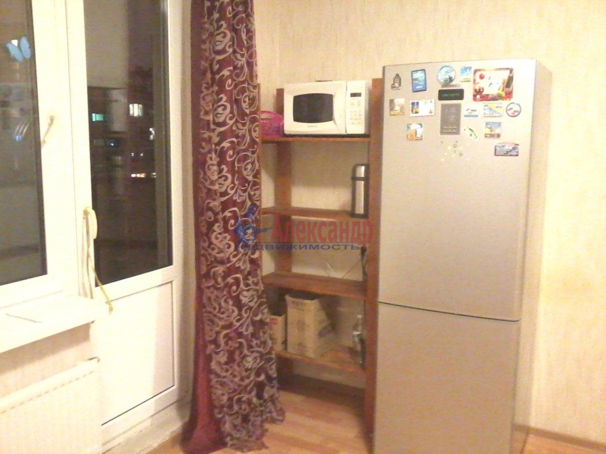 1-комнатная квартира (40м2) в аренду по адресу Шотмана ул., 6— фото 2 из 7