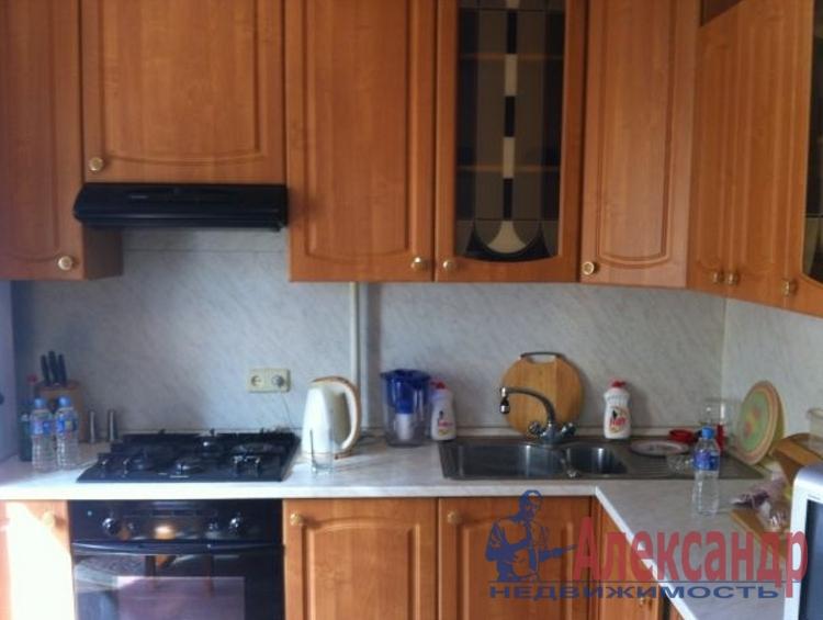 2-комнатная квартира (48м2) в аренду по адресу Есенина ул., 36— фото 2 из 2