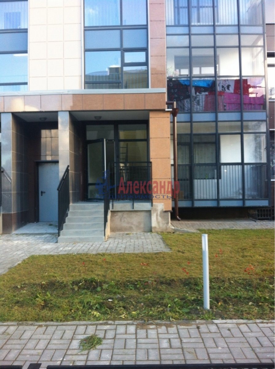 2-комнатная квартира (55м2) в аренду по адресу Адмирала Трибуца ул., 5— фото 5 из 6