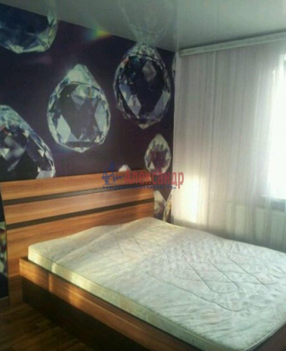 2-комнатная квартира (67м2) в аренду по адресу Стародеревенская ул., 21— фото 2 из 6