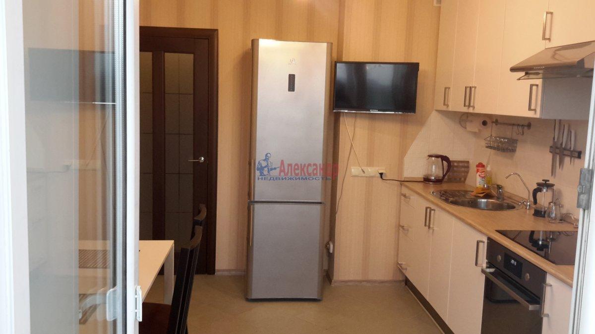 1-комнатная квартира (43м2) в аренду по адресу Белградская ул., 26— фото 2 из 14