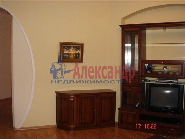 2-комнатная квартира (70м2) в аренду по адресу Каменноостровский пр., 35/75— фото 8 из 9