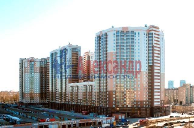 2-комнатная квартира (69м2) в аренду по адресу Есенина ул., 1— фото 9 из 11