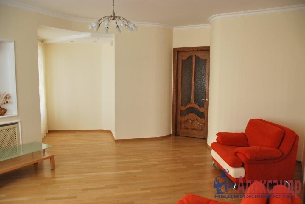 3-комнатная квартира (95м2) в аренду по адресу 3 линия В.О., 52— фото 2 из 4