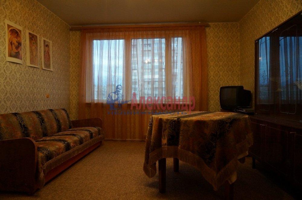 1-комнатная квартира (33м2) в аренду по адресу Подвойского ул., 28— фото 1 из 7