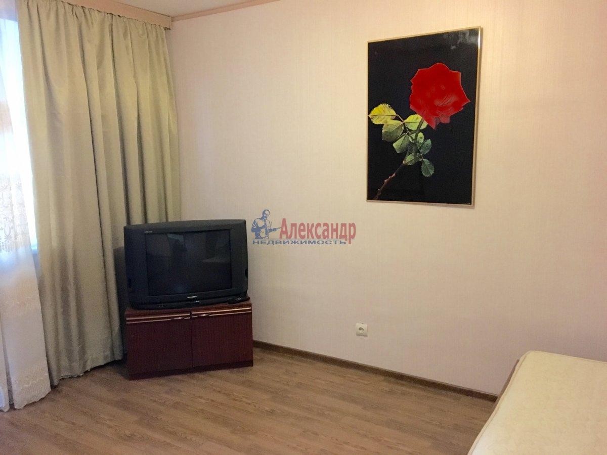 Комната в 2-комнатной квартире (56м2) в аренду по адресу Тореза пр., 9— фото 1 из 7
