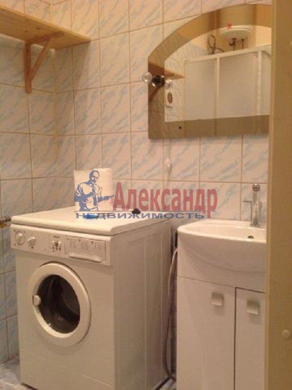 2-комнатная квартира (59м2) в аренду по адресу Новочеркасский пр., 32— фото 5 из 5