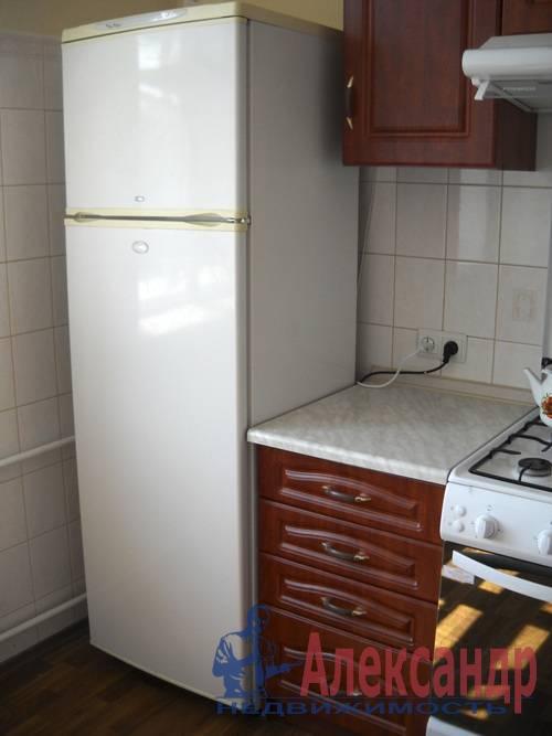 2-комнатная квартира (54м2) в аренду по адресу Новоизмайловский просп., 35— фото 1 из 7