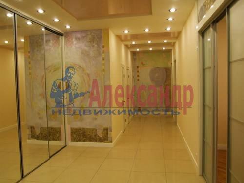 3-комнатная квартира (110м2) в аренду по адресу Комендантская пл., 6— фото 1 из 12