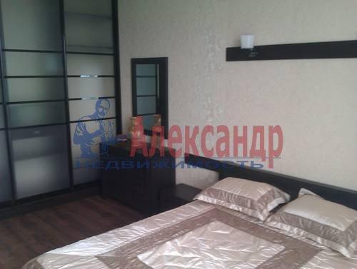 3-комнатная квартира (120м2) в аренду по адресу Композиторов ул., 4— фото 5 из 10
