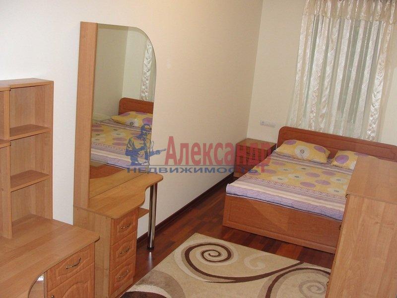2-комнатная квартира (58м2) в аренду по адресу Бухарестская ул., 118— фото 2 из 5