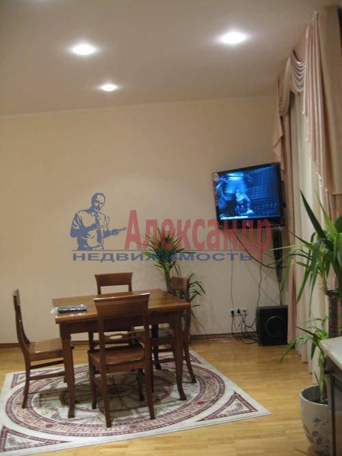 3-комнатная квартира (85м2) в аренду по адресу Типанова ул., 8— фото 9 из 10