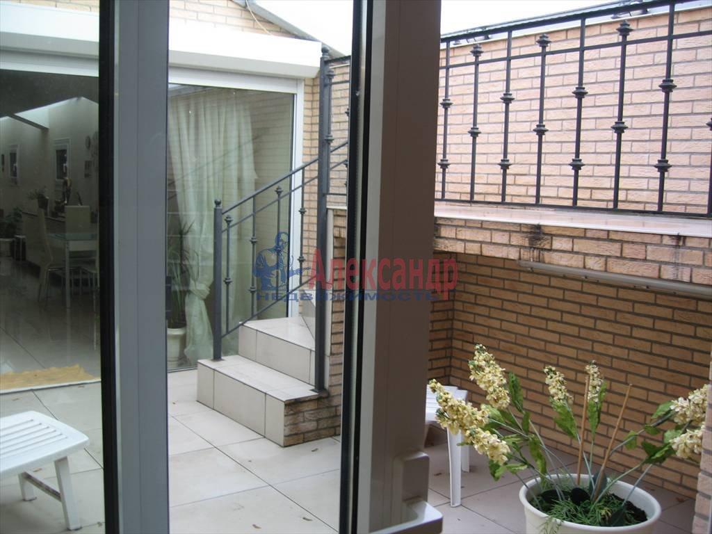 4-комнатная квартира (200м2) в аренду по адресу Малая Конюшенная ул., 5— фото 1 из 4