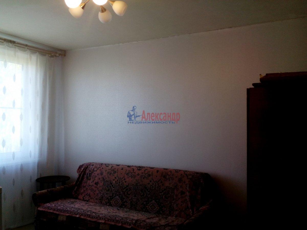 2-комнатная квартира (50м2) в аренду по адресу Белградская ул., 28— фото 2 из 3