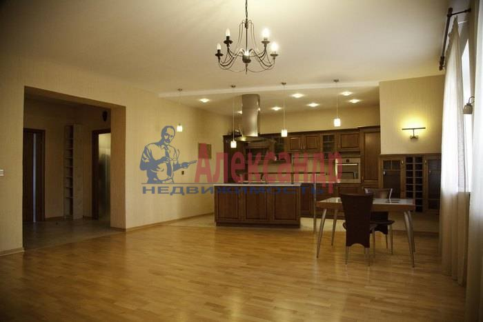 2-комнатная квартира (84м2) в аренду по адресу Пушкин г., Песочная ул., 2— фото 2 из 13
